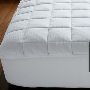 Company Store Home King Over Filled Mattress Cover